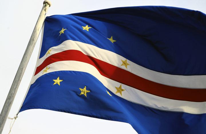 Bandeira de Cabo Verde, cidade da Praia, 04 de dezembro de 2012. ANTONIO COTRIM/LUSA