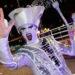 Um participante desfila na parada de celebração do Ano do Porco, em Macau, China, 07 de fevereiro de 2019. A marcar o terceiro dia do novo ano lunar do porco e como parte das celebrações dos 20 anos do estabelecimento da Região Administrativa Especial de Macau (RAEM), teve lugar esta noite em Macau, mais uma parada contando com artistas locais e internacionais. CARMO CORREIA/LUSA