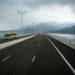 Passagem junto da Ilha de Lantau, perto do Aeroporto de Hong Kong, no trecho final da nova ponte Hong Kong-Zhuhai-Macau, em Macau, China, 24 de outubro de 2018. A ponte é um marco do projeto de integração regional da Grande Baía, que visa criar uma metrópole mundial a partir dos territórios de Hong Kong, Macau e nove localidades da província chinesa de Guangdong (Cantão, Shenzhen, Zhuhai, Foshan, Huizhou, Dongguan, Zhongshan, Jiangmen e Zhaoqing). GONÇALO LOBO PINHEIRO/LUSA