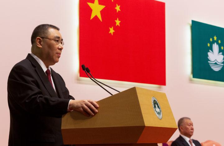 O Chefe do Executivo da Região Administrativa Especial de Macau (RAEM), Fernando Chui Sai On, discursa durante a cerimónia que marca o 19.º aniversário da Região Administrativa especial de Macau, que decorreu esta manhã na Torre de Macau, em Macau, China, 20 de dezembro de 2018. CARMO CORREIA/LUSA